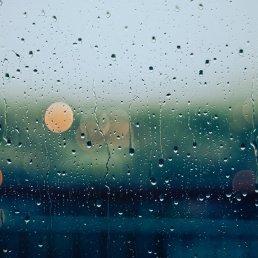 pluie-sur-vitre-tristesse-gouttes-d-eau-psychezvous